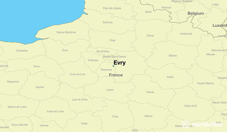 map showing the location of Evry
