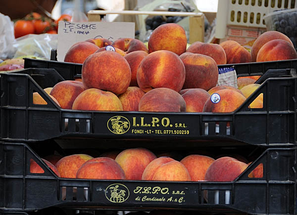 peaches in rome