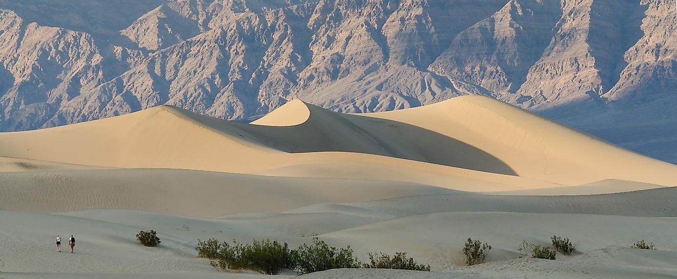 Flats At Atlas >> Death Valley, California - WorldAtlas.com