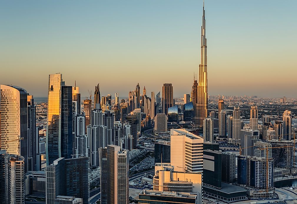 The tallest buildings in asia for Asia famous buildings