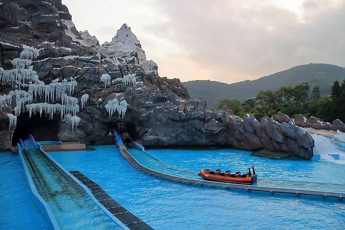 The Biggest Aquariums in the World - WorldAtlas.com