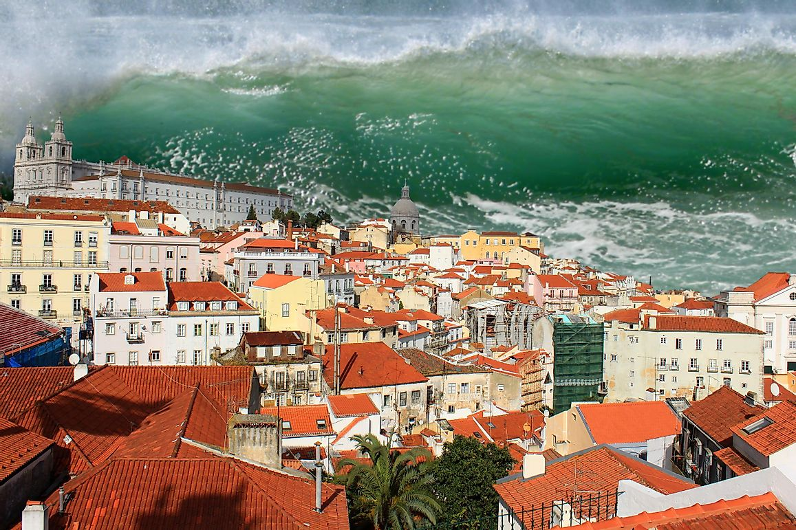 What Are The Differences Between Tidal Waves And Tsunamis?