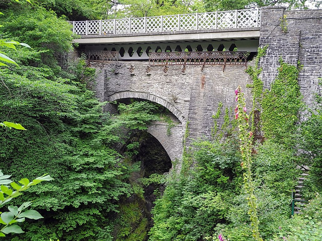 What Is A Devil's Bridge?