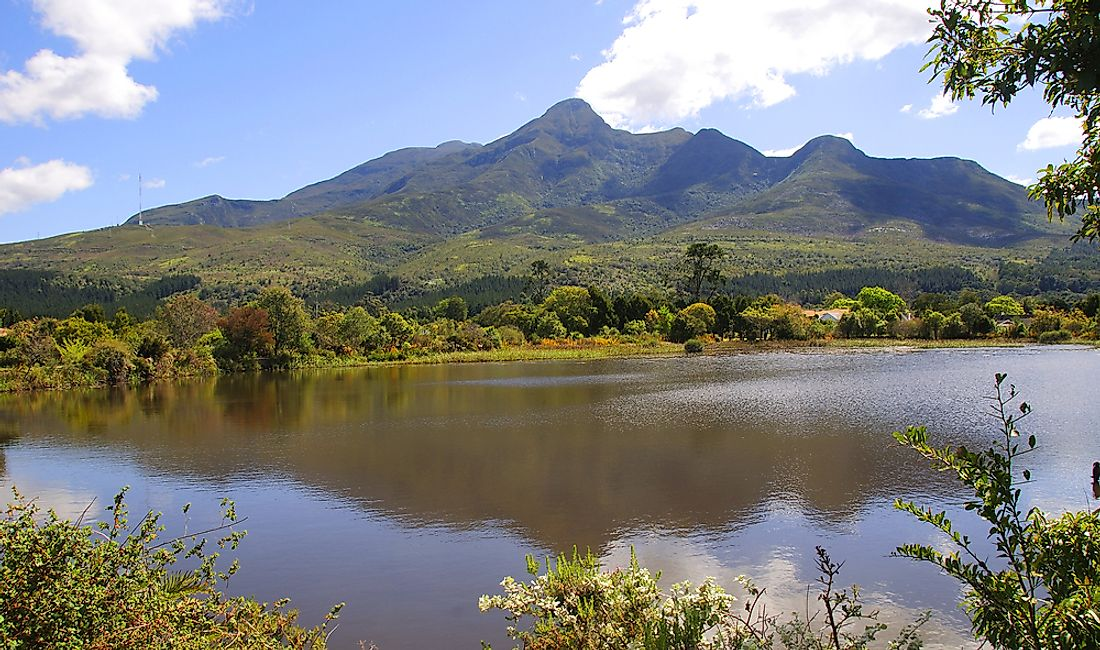 Where Are the Outeniqua Mountains Located?