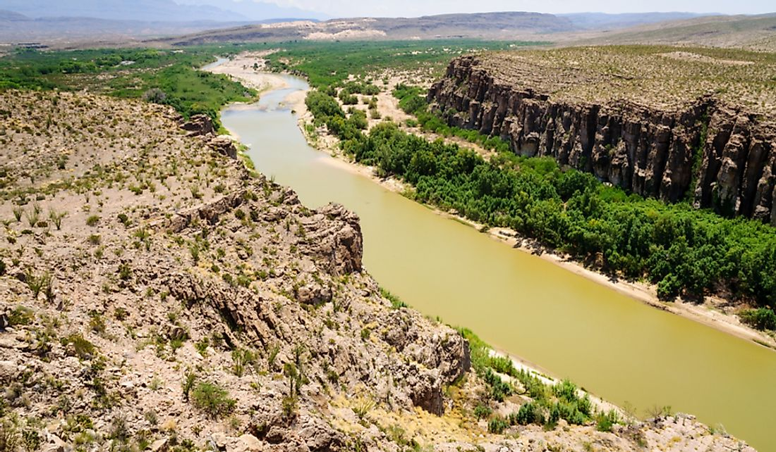 Which River Forms The Border Between The United States And Mexico?