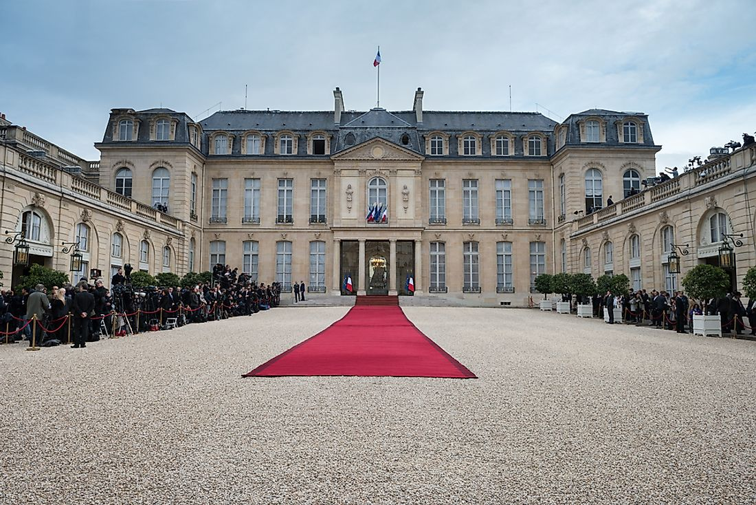 Where Does The President Of France Live?