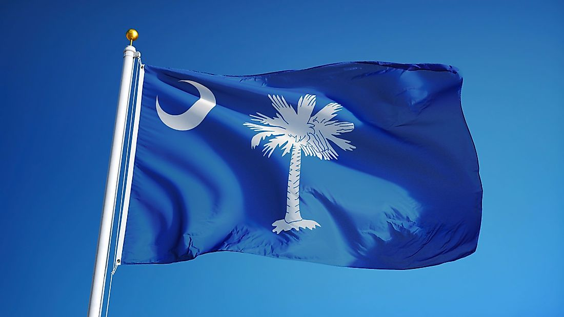 The South Carolina state flag features a crescent and palmetto.