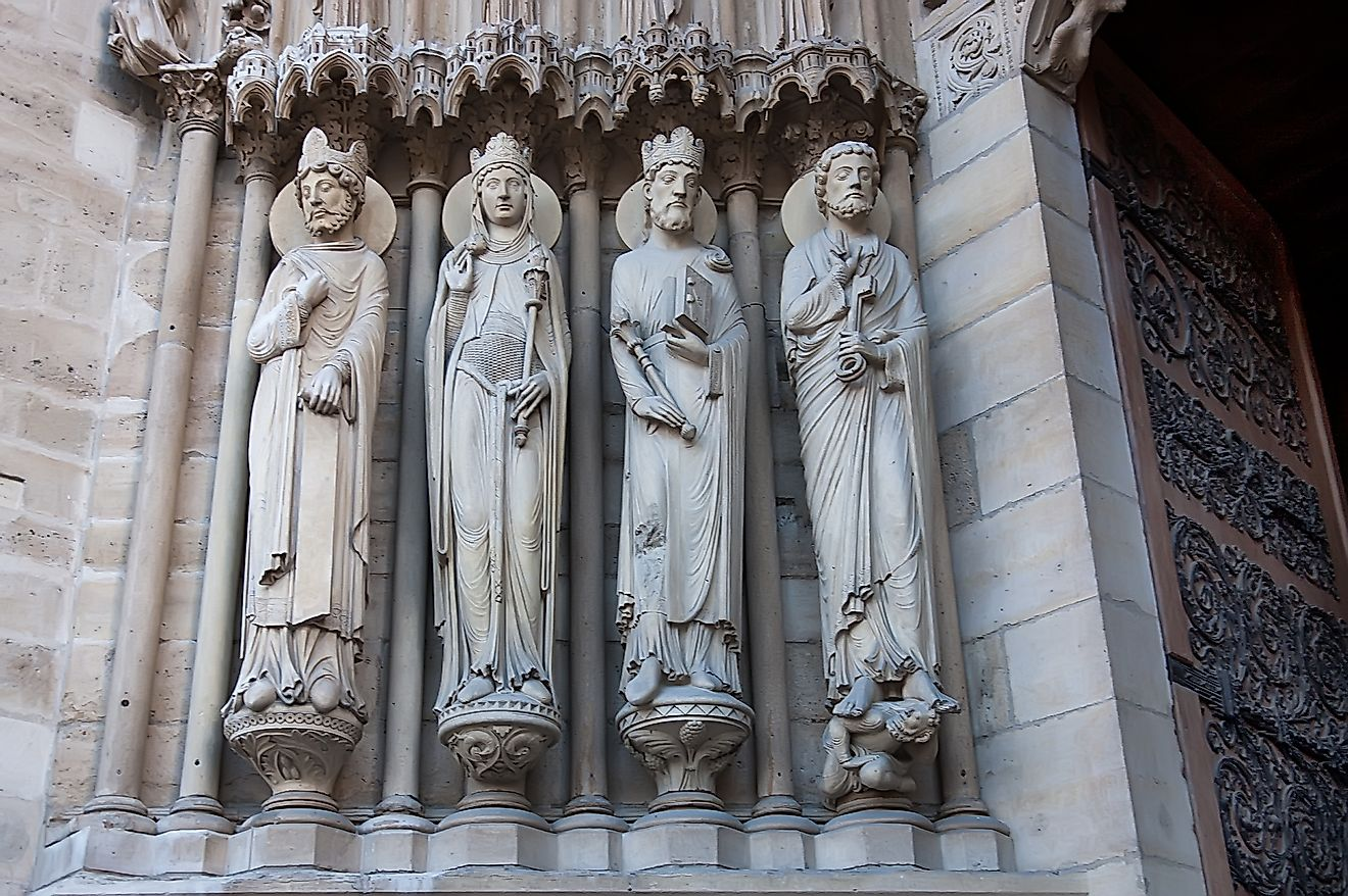 King David, the Queen of Sheba, King Solomon and Saint Peter, Portal of St. Anne, Notre Dame Cathedral, Paris. Credit: Alisa24 / Shutterstock.com
