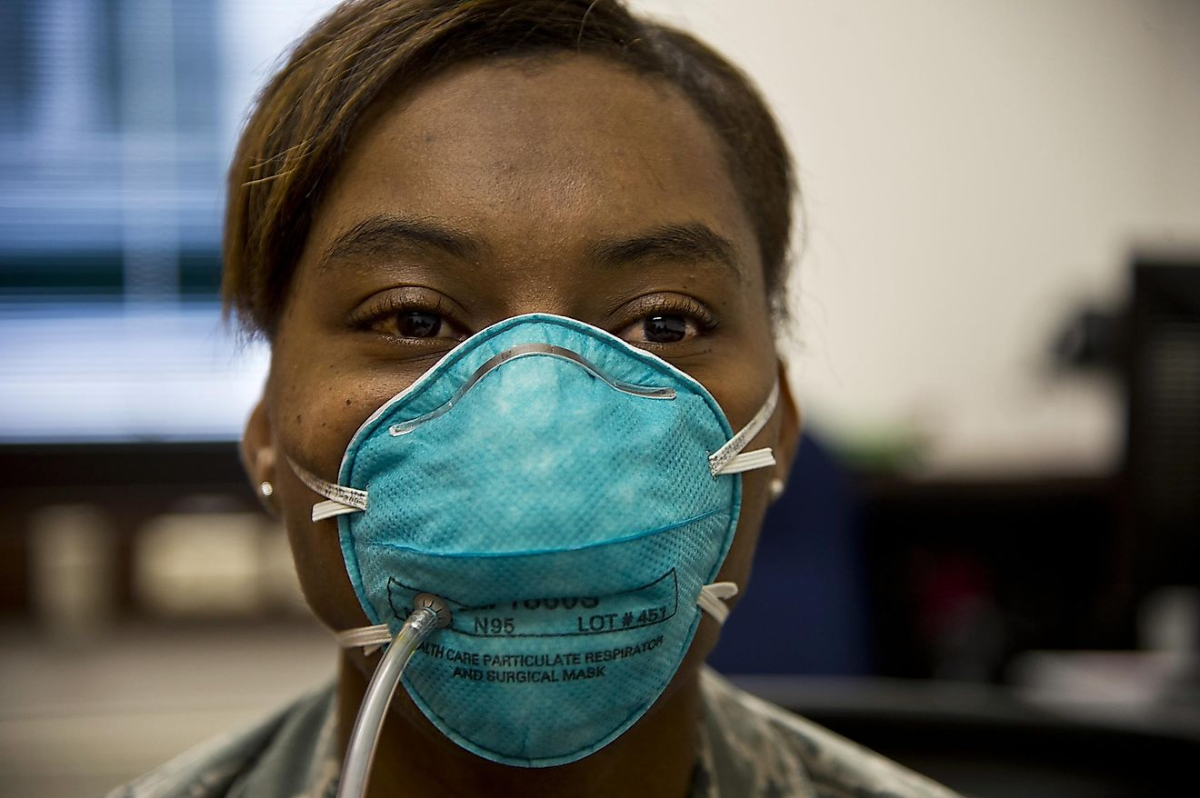 Members of the general public do not need to wear N95 respirators. Surgical masks are sufficient if you are sick. Image credit: wikimedia.org