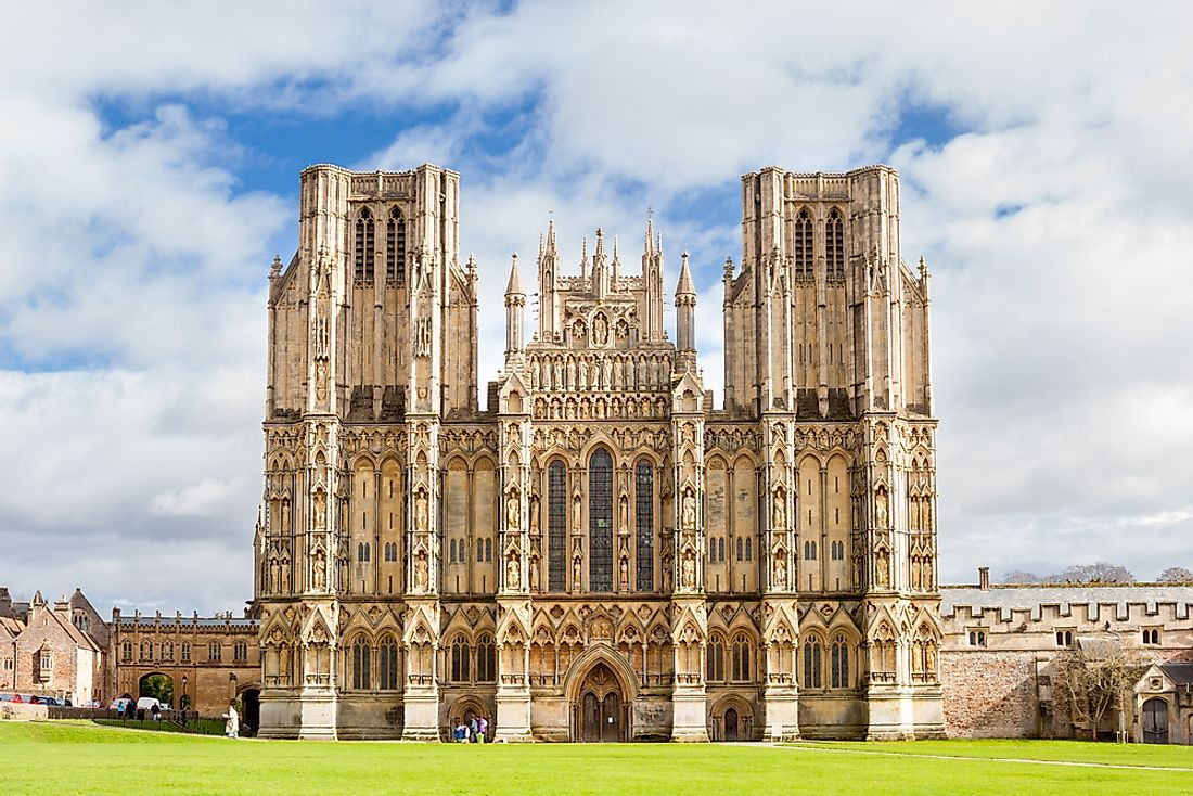 The Wells Cathedral is considered the most beautiful cathedral of medieval British history.