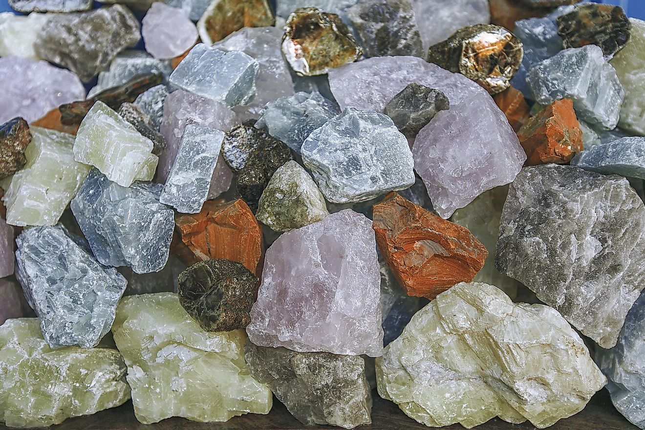 Minerals have many nutritional benefits whereas rocks have no nutritional benefits.