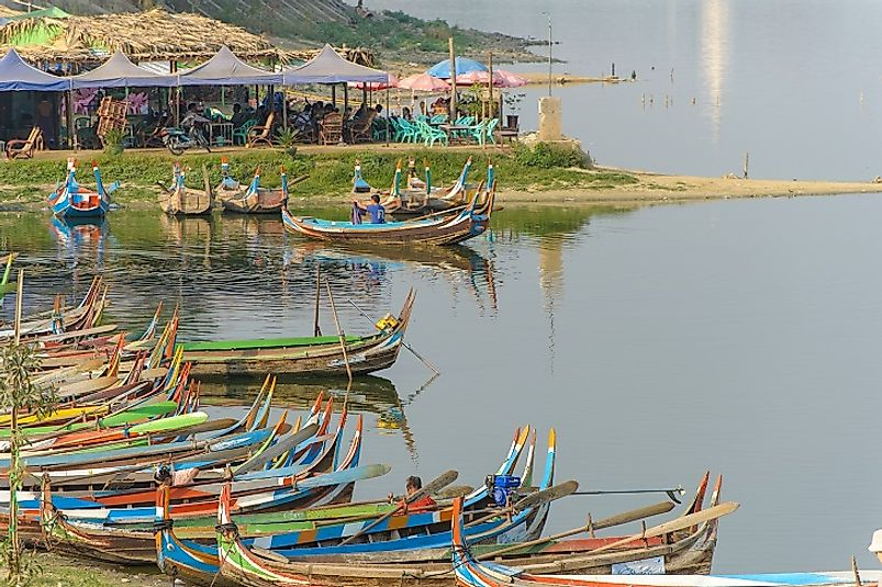 A Burmese fishing village on the banks of the Irrawaddy.