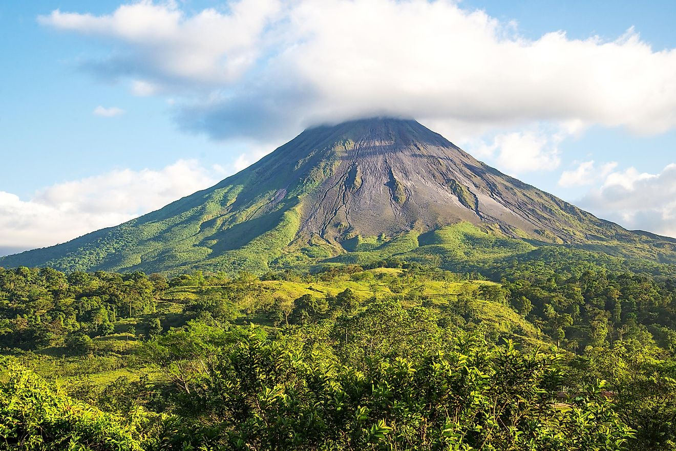The Arenal volcano, Costa Rica. Image credit: Esdelval/Shutterstock