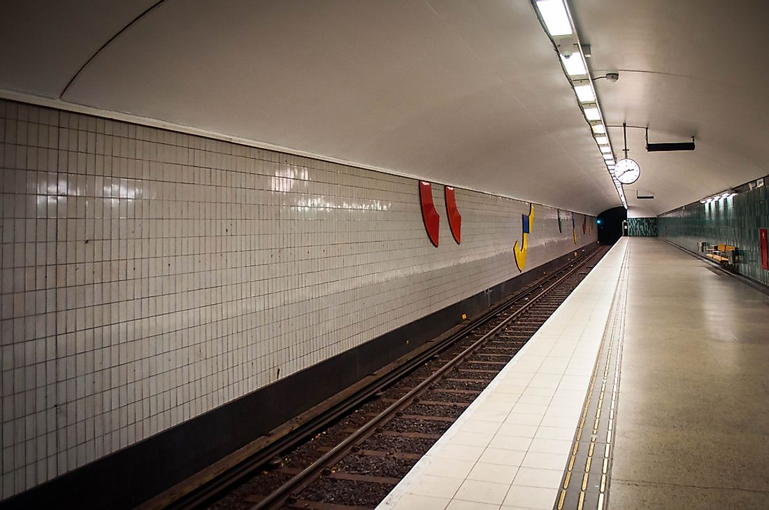 Seeing a Silverpilen pull into a station of the Stockholm Metro was sure to take travelers by surprise.