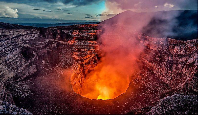 There are active volcanoes in Nicaragua.