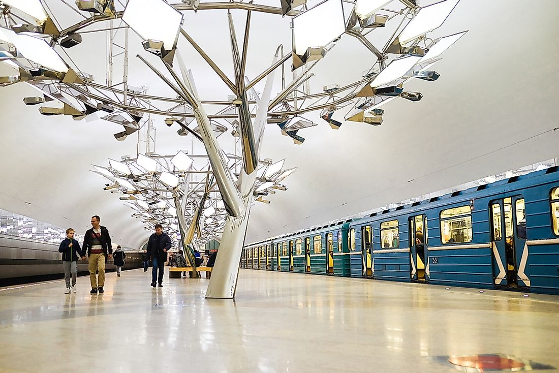 Passengers take the metro in Moscow, Russia. Editorial credit: Vereshchagin Dmitry / Shutterstock.com.