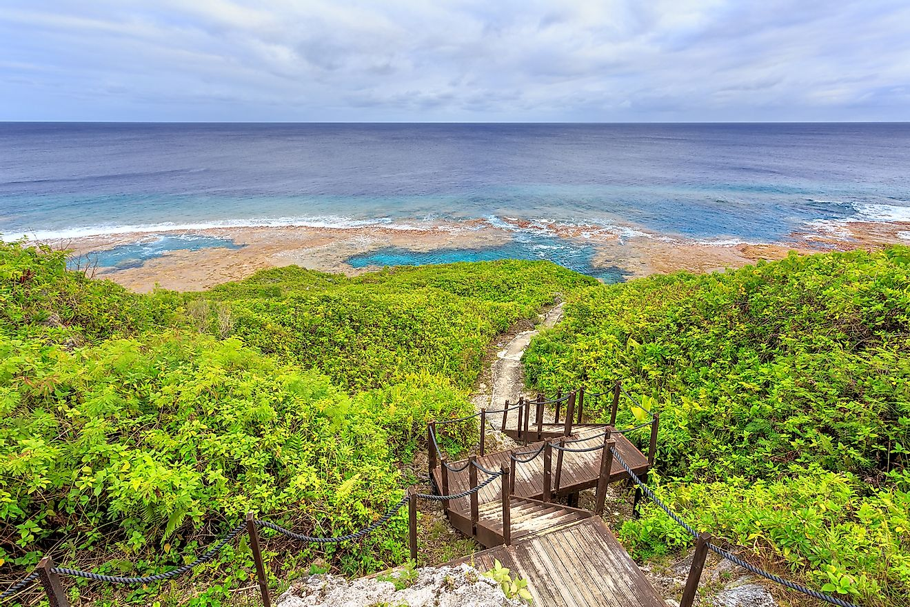 Sea track down to Hikutavake reef flats and pools, Niue. Image credit: Molly Brown NZ/Shutterstock.com