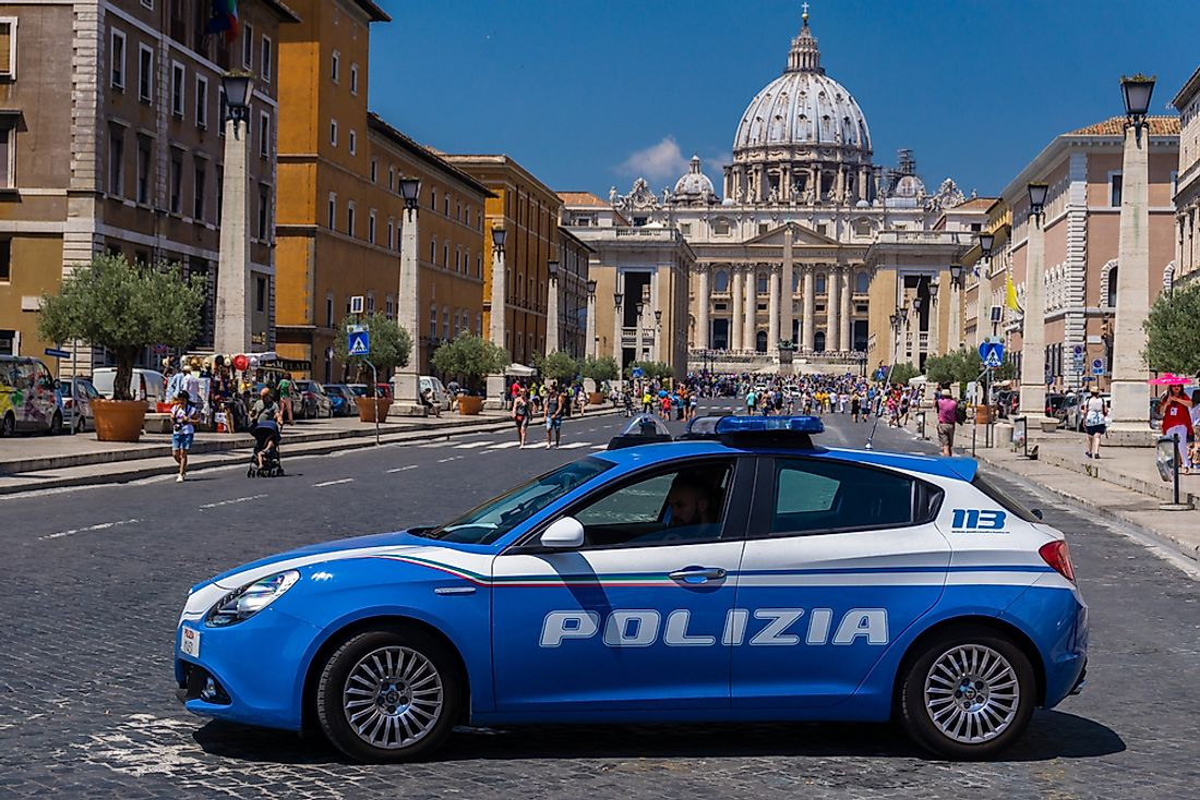 Police in Vatican City. Photo credit: bogdymol / Shutterstock.com.