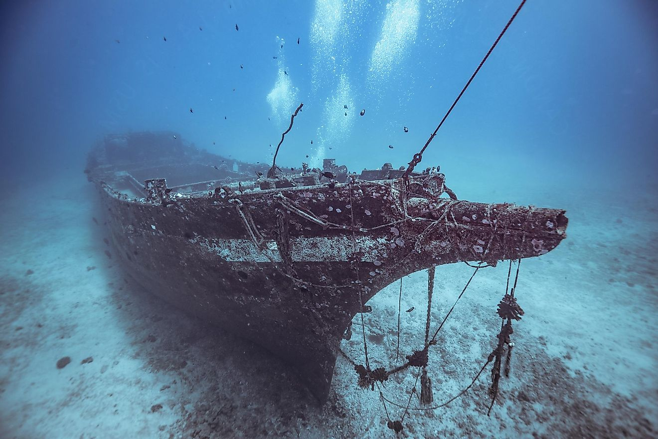 A shipwreck one hundred feet underwater in Hawaii. Image credit: Maui Topical Images/Shutterstock