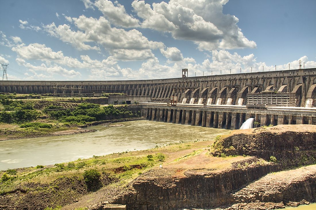 Itaipu Dam has a capacity of 430,000,000 cubic feet of water.