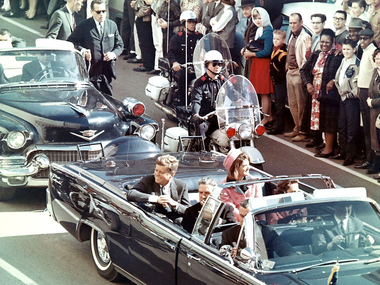 Picture of President Kennedy in the limousine in Dallas, Texas, on Main Street, minutes before the assassination. Image credit: Walt Cisco, Dallas Morning News/Public domain