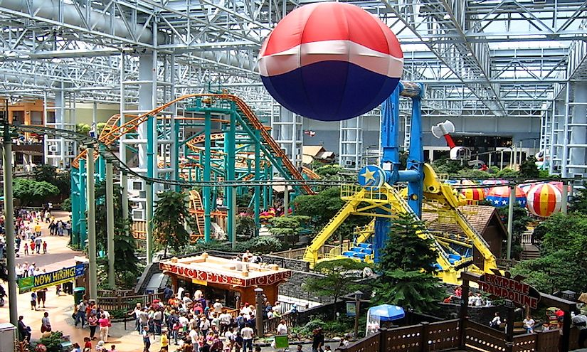 Mall of America, the largest mall in the US, houses 520 stores and the world's largest indoor park, Nickelodeon Universe