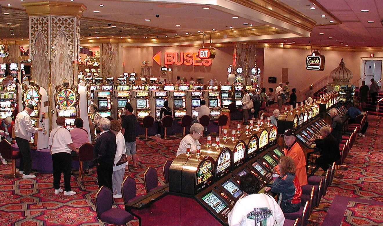 Slot machines at a casino in Atlantic City, New Jersey. Image credit: Maksim/Wikimedia.org