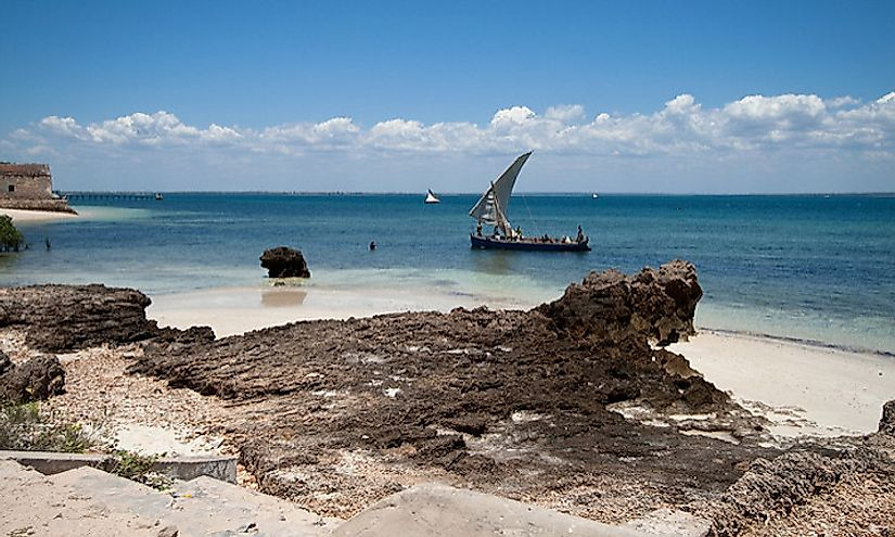 Boats laanding on the island of Mozambique.