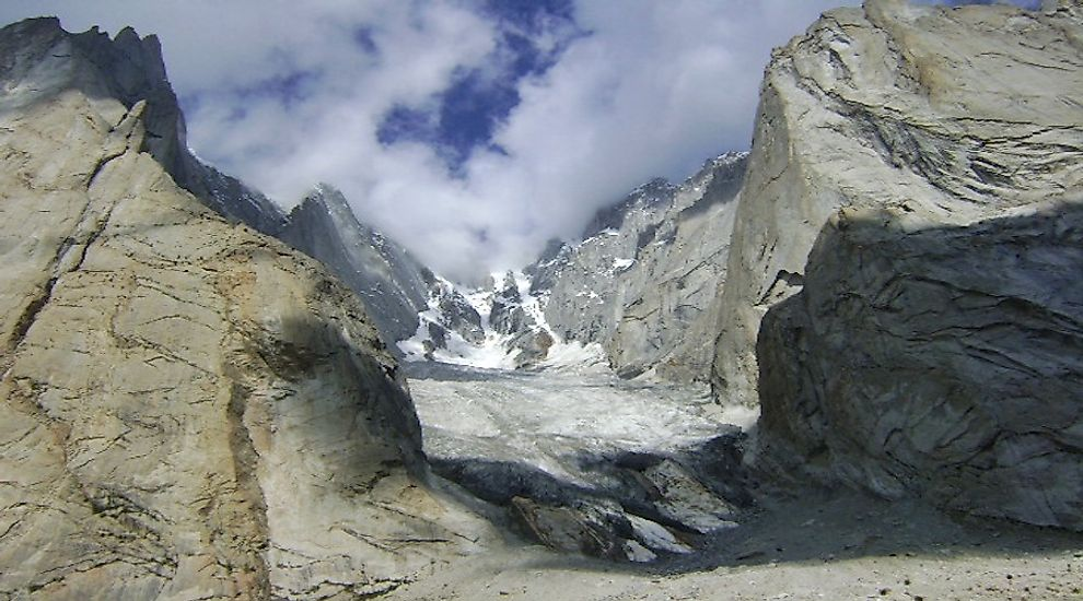 The rugged landscape of the Siachen Glacier offers extreme challenges to the soldiers living here.