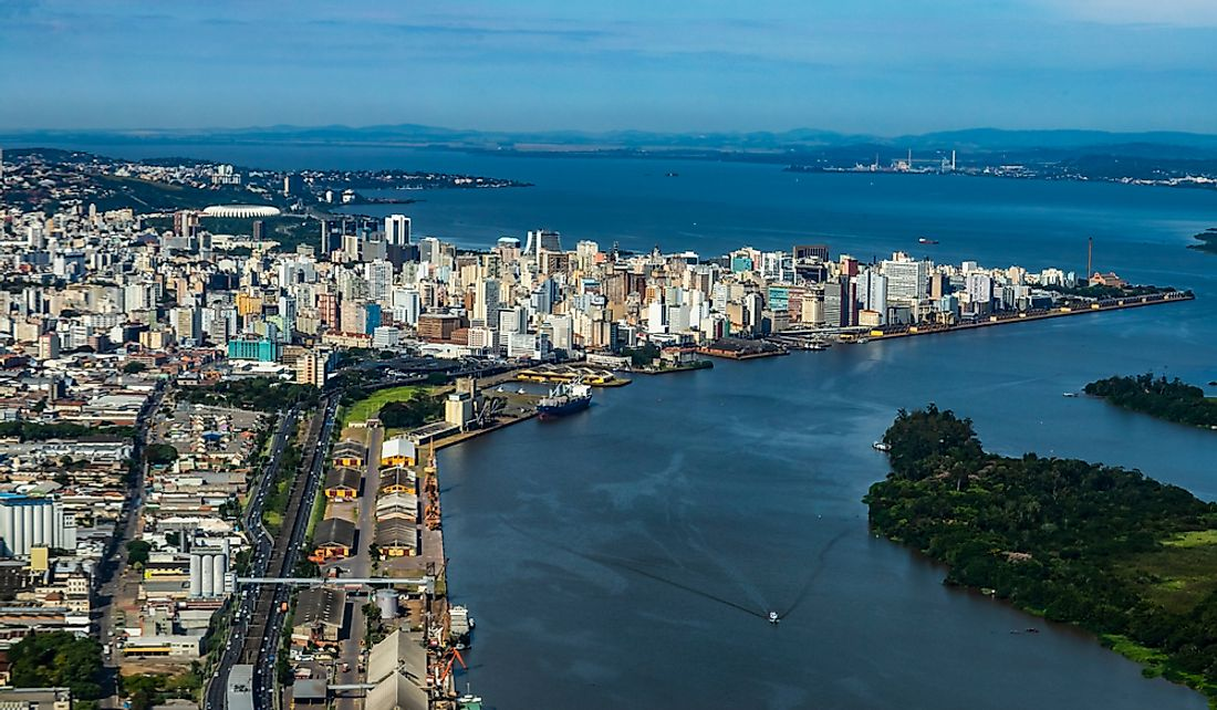 Porto Alegre sits on the eastern bank of the Guaíba River.