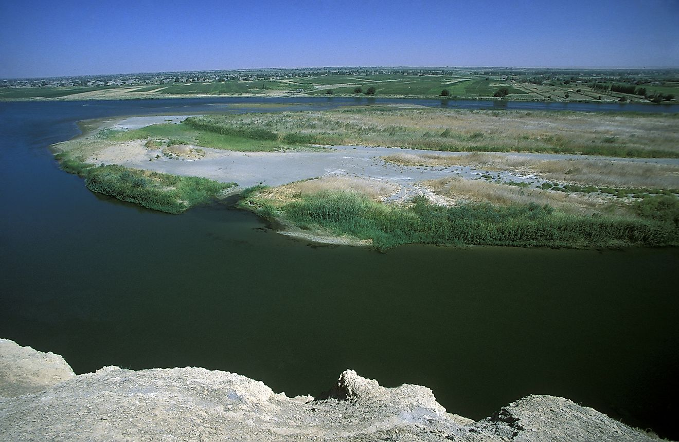 The Euphrates River passes through Syria and is historically significant.