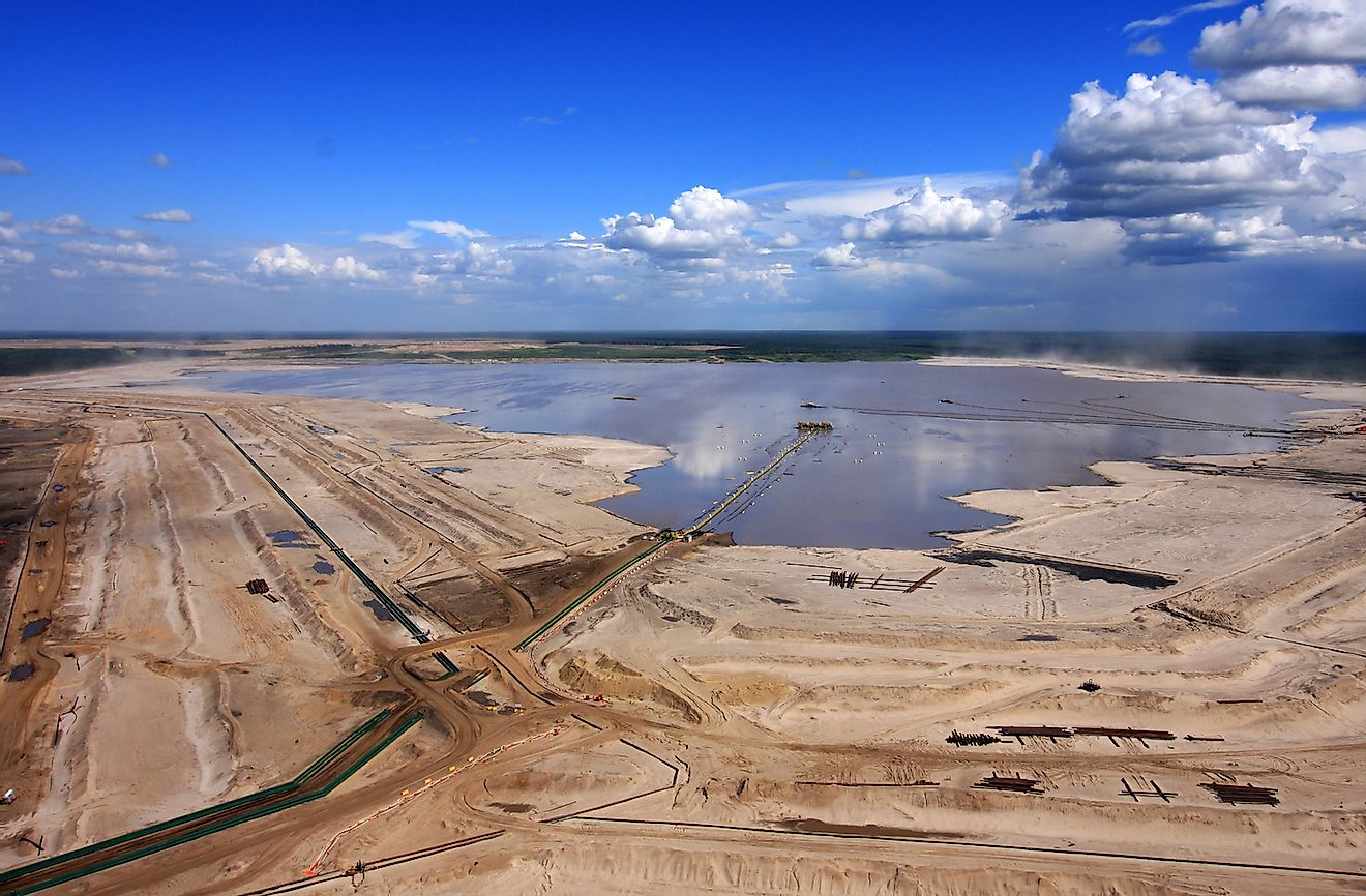 Oilsands tailings pond north of Fort McMurray, Alberta. Image credit: Donny Ash/Shutterstock.com