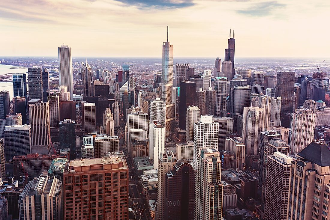 The sprawling urban landscape of Chicago offers many tourist activities.