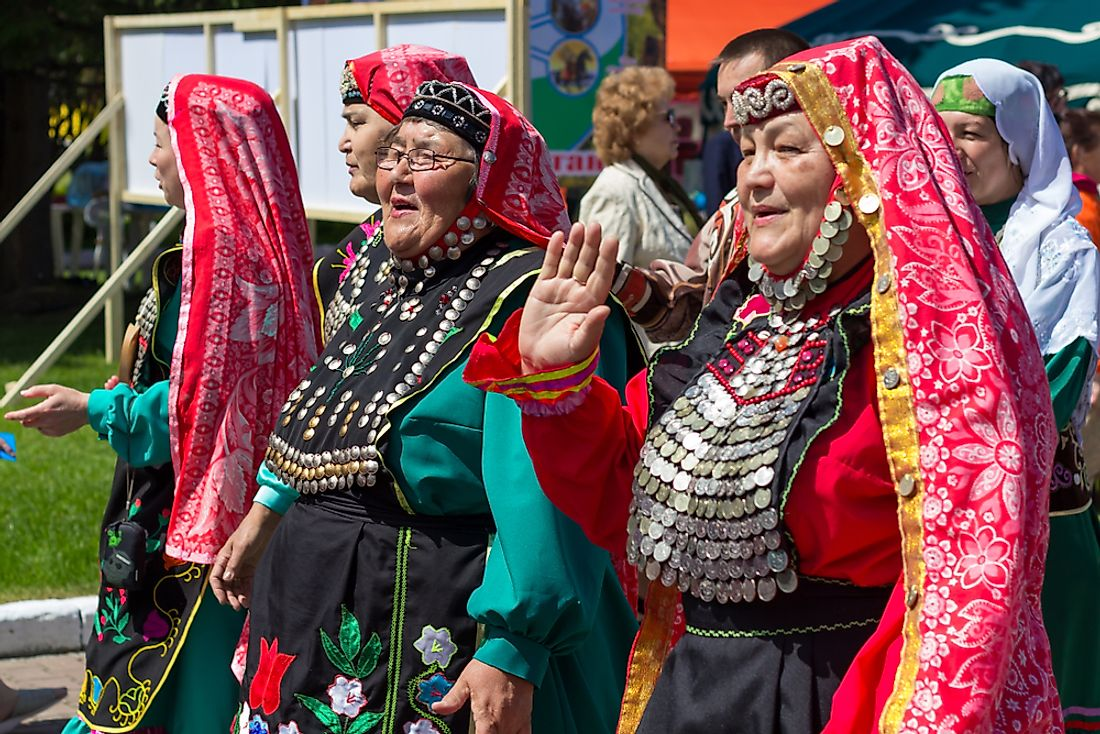 Tatar people in traditional clothing in Russia. Editorial credit: AlexZandr / Shutterstock.com.
