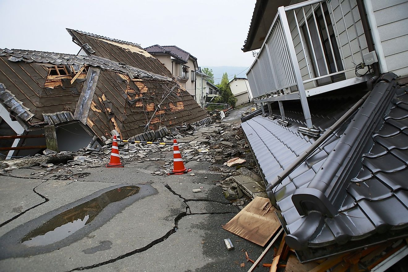 Buildings collapsed in an earthquake. Image credit: Austinding/Shutterstock.com