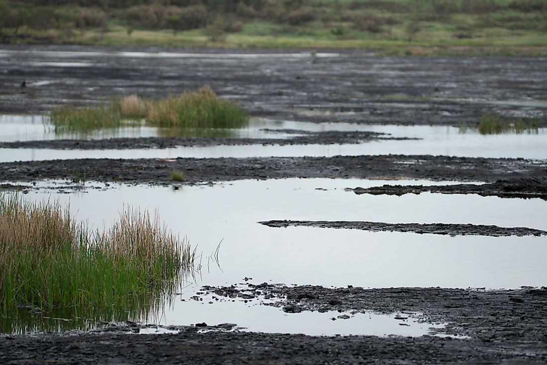 Pitch Lake contains natural deposits of asphalt.