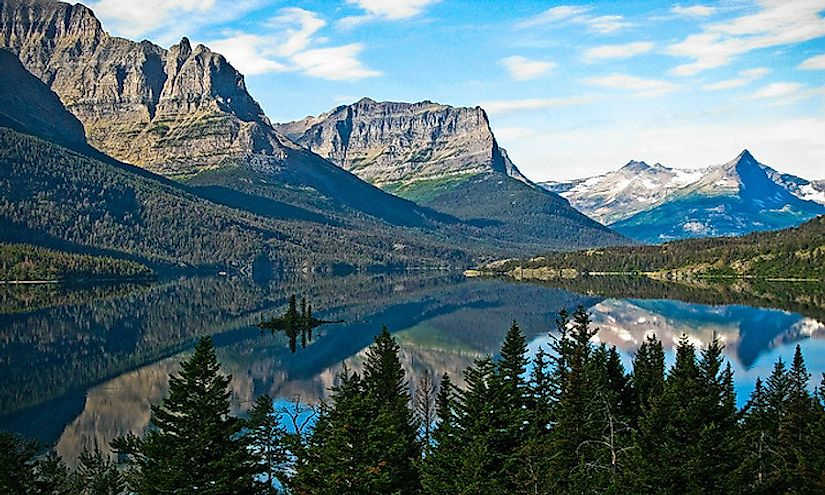 The scenic landscape of the Glacier National Park.