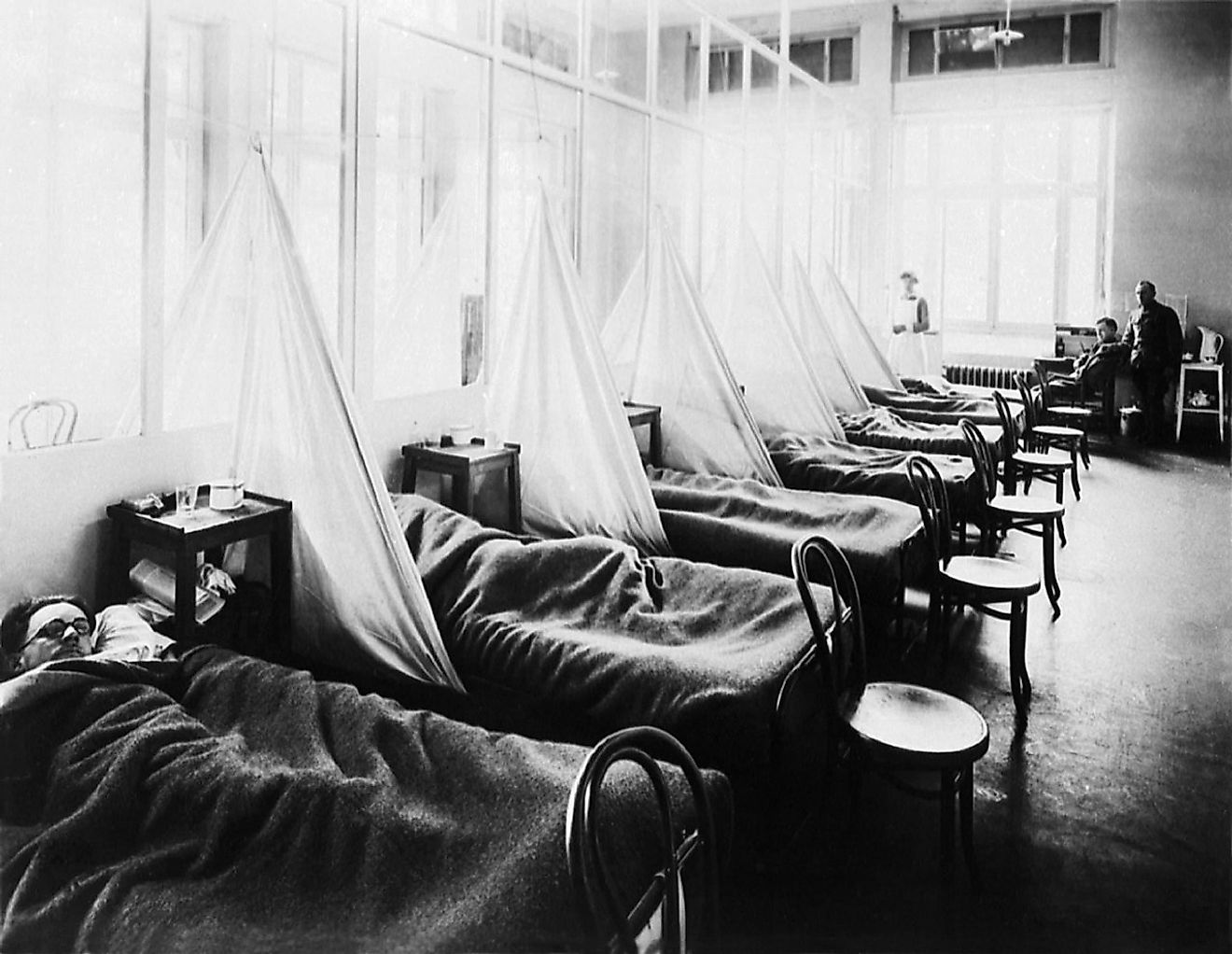 American Expeditionary Force victims of the Spanish flu at U.S. Army Camp Hospital no. 45 in Aix-les-Bains, France, in 1918. Image credit: Uncredited U.S. Army photographer/Wikimedia.org