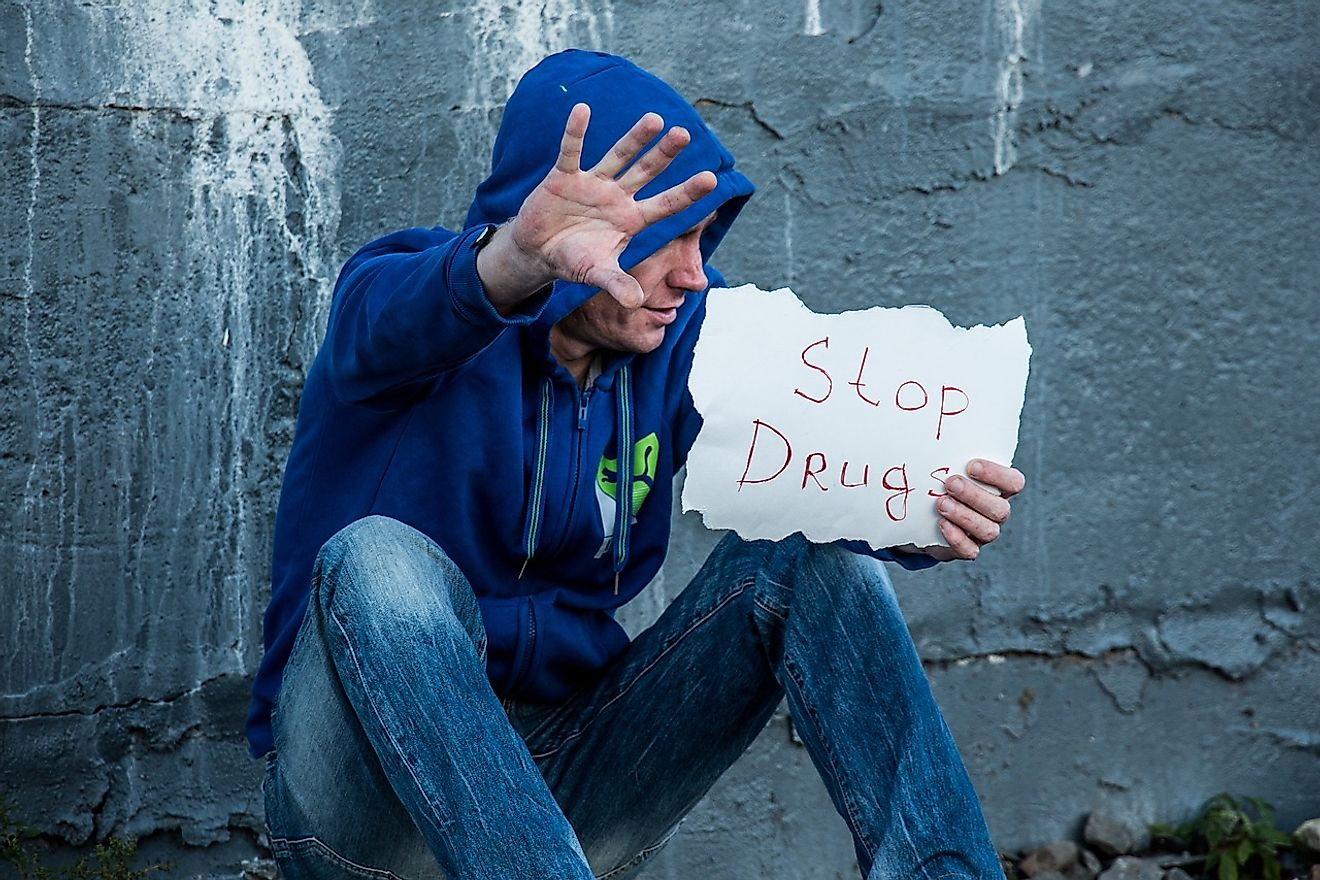 Drug addiction often makes people broke and brings them to the streets. Image credit: Лечение Наркомании from Pixabay s