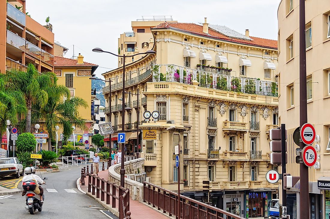 Border of Monaco and France on Rue des Iris. Editorial credit: lkonya / Shutterstock.com