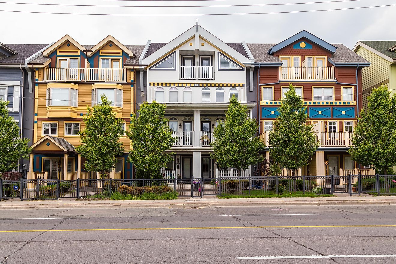 Houses ini The Beaches neighborhood of Toronto. Editorial credit: mikecphoto / Shutterstock.com