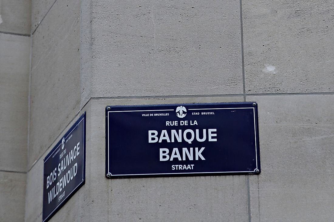 A bilingual sign in Brussels. Editorial credit: Alexandros Michailidis / Shutterstock.com.