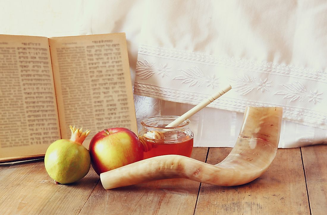 Honey, apples, and pomegranates are eaten to celebrate Rosh Hashanah.