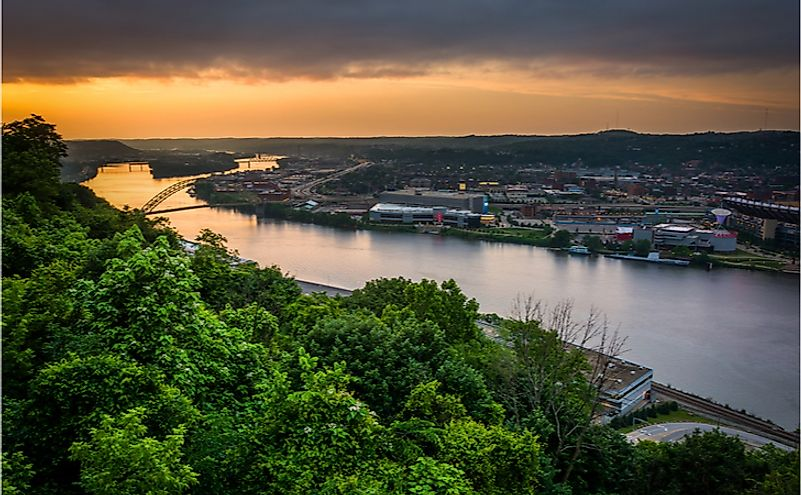 Sunset view over the Ohio River in Pittsburgh, Pennsylvania.