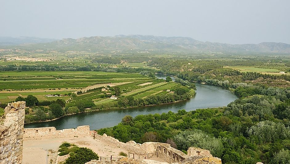 Fertile farmlands and rural Spanish communities along the Ebro River.