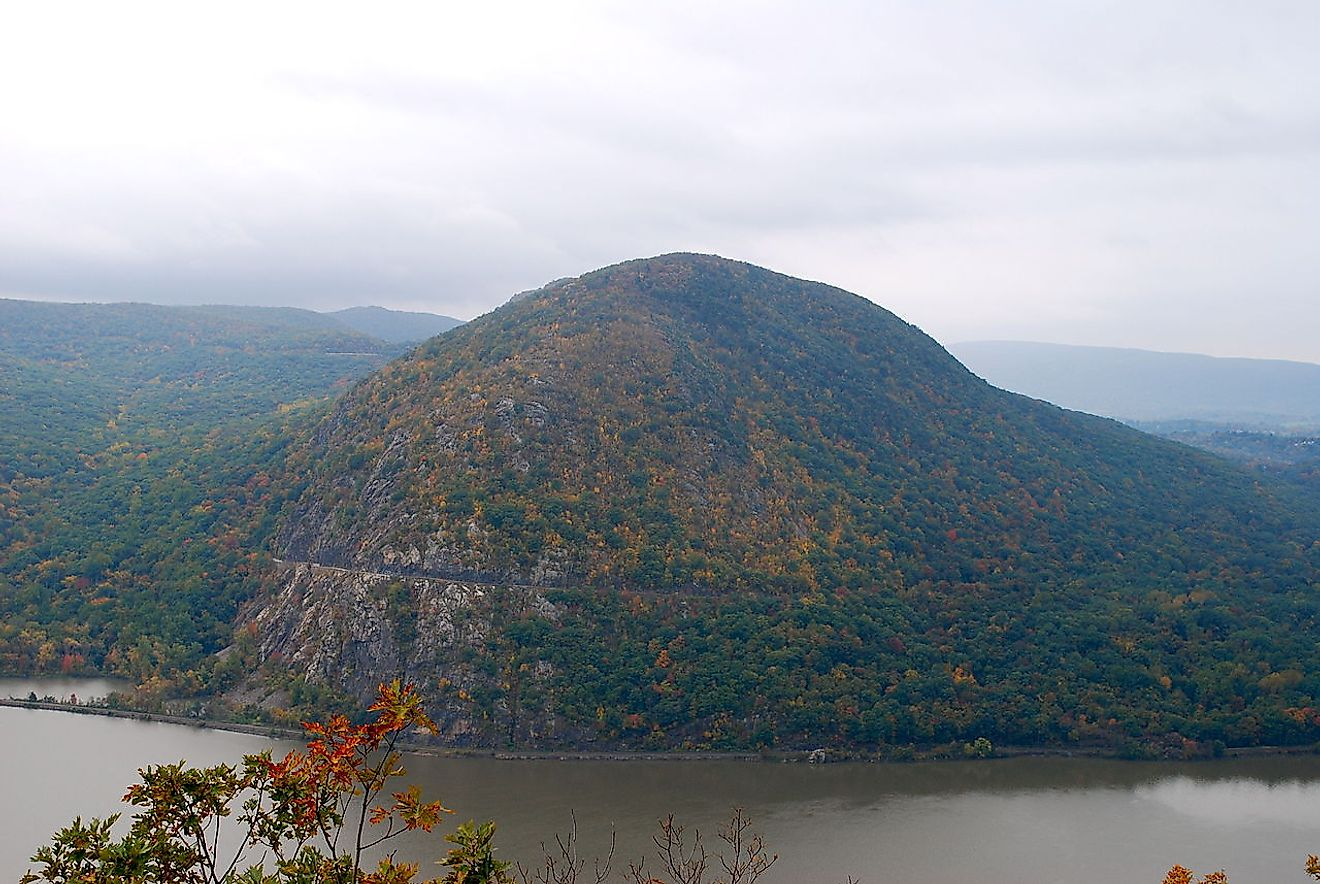 Storm King Mountain from atop Break Neck Ridge. Image credit: Ahodges7/Wikimedia.org