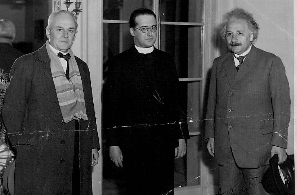 Georges Lemaître in the middle. Credit: https://uclouvain.be/en/research-institutes/irmp/georges-lemaitre-archives.html