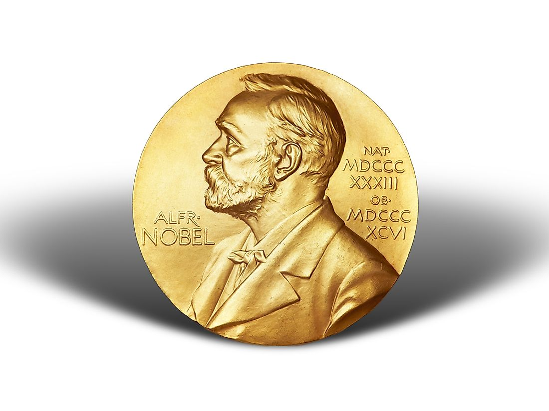 Winners of the Nobel Prize receive a gold medal, a diploma, and a lump sum of money.