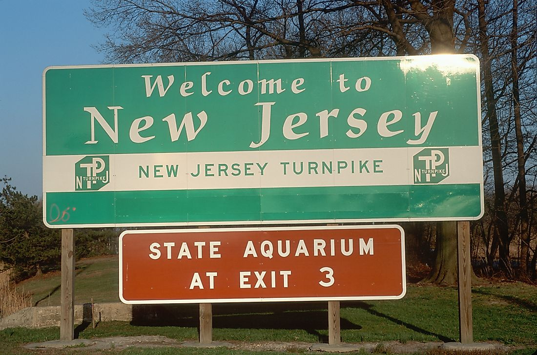 A sign welcoming visitors to New Jersey.