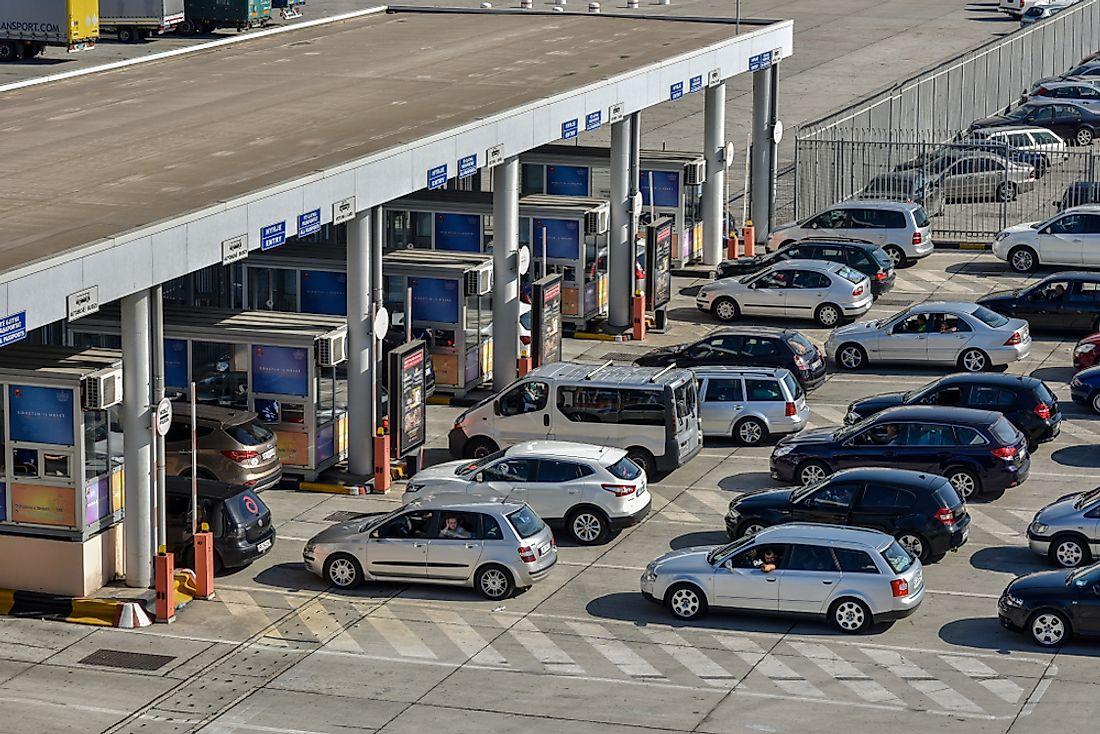 Car queue at the port border of Durrës, Albania.  Editorial credit: CA Irene Lorenz / Shutterstock.com